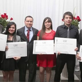 Titulaciones UST Santiago 2014